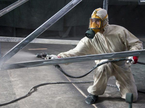 Protective Spray painting for the Construction Industry